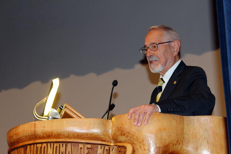 El Dr. Ruy Pérez Tamayo en el Foro de Metodología Científica 2016
