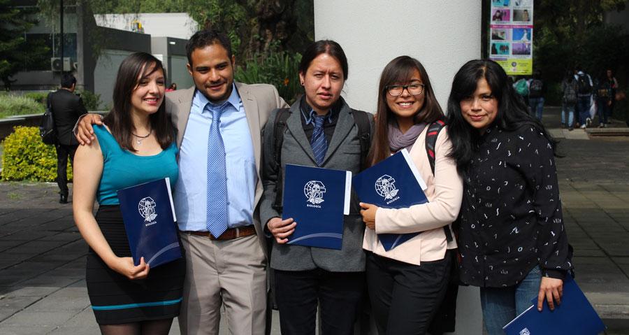 Egresan estudiantes de la generación 2013 de Biología
