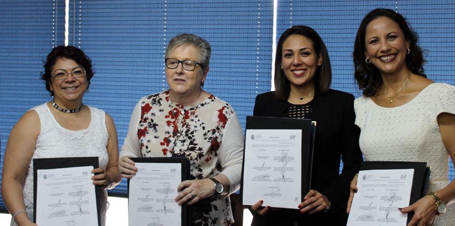 Firman convenio de colaboración la FES Iztacala y el DIF de Tlalnepantla