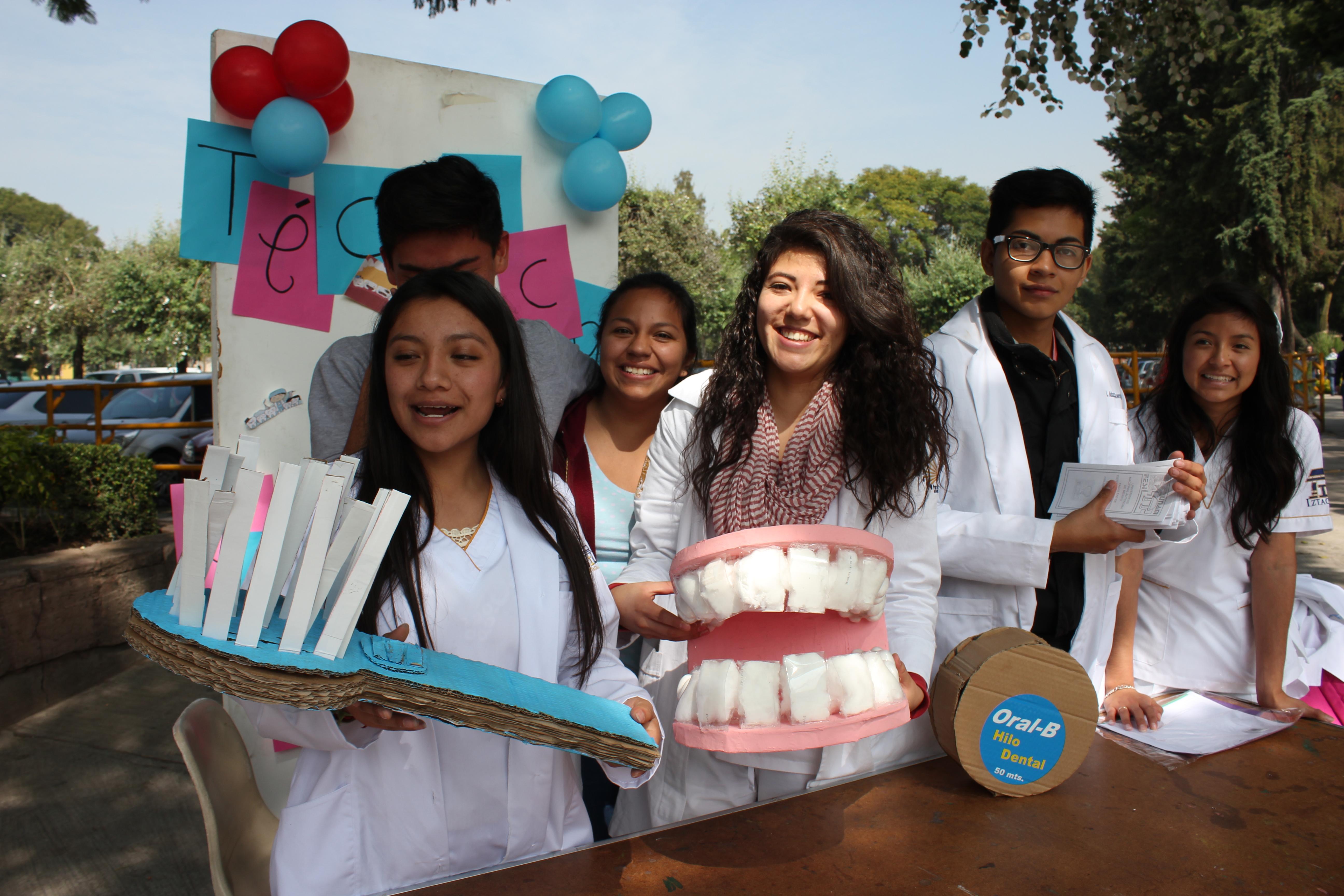 Promoción de la salud bucal por estudiantes de primer año de la carrera de Cirujano Dentista