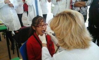 La Clínica Almaraz en pro del cuidado de la salud bucal